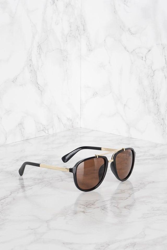 Runway Sunglasses Black