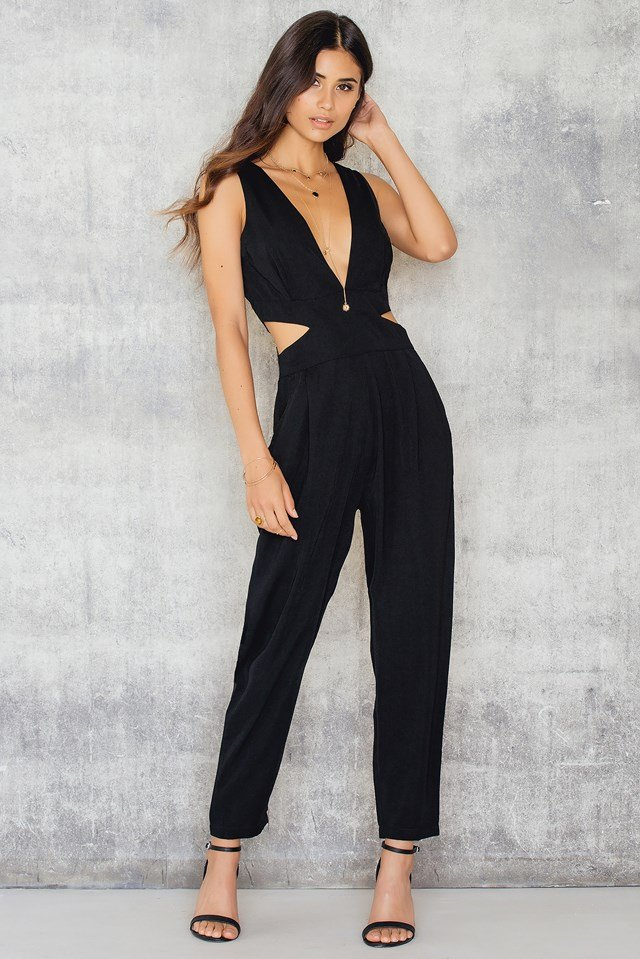 Halterneck Open Side Jumpsuit NA-KD.COM