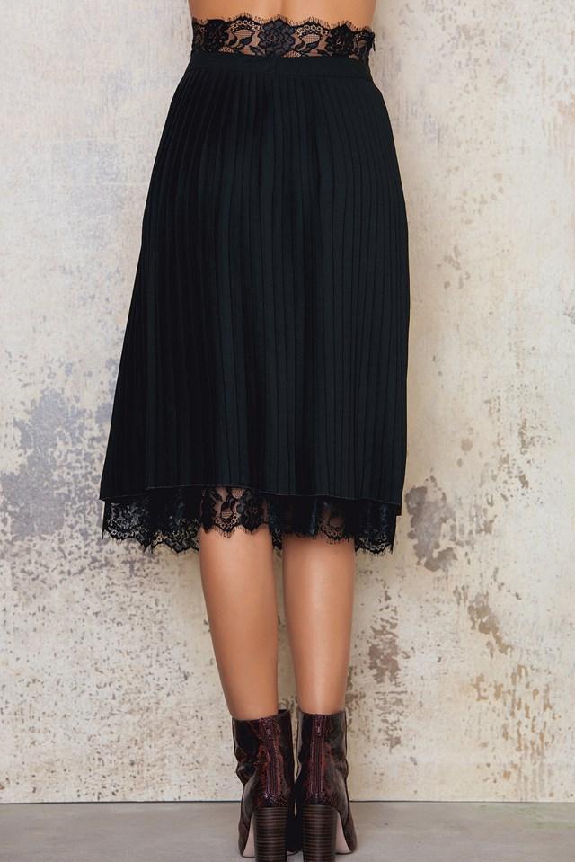 High Waist Plissé Skirt Black