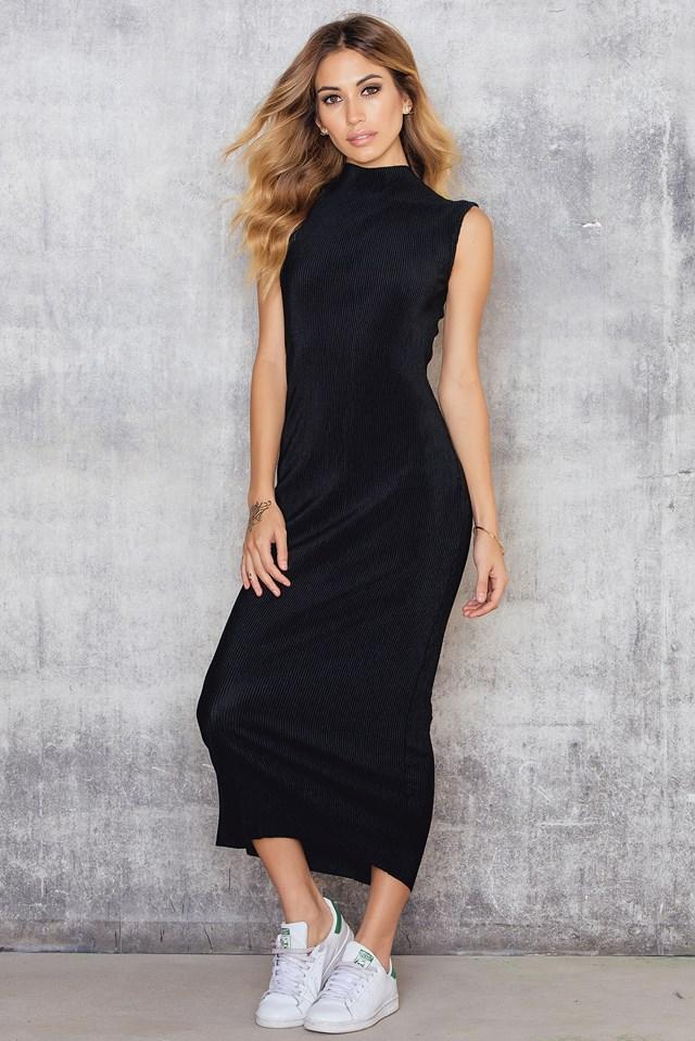 Highneck Pleated Ankle Dress Black