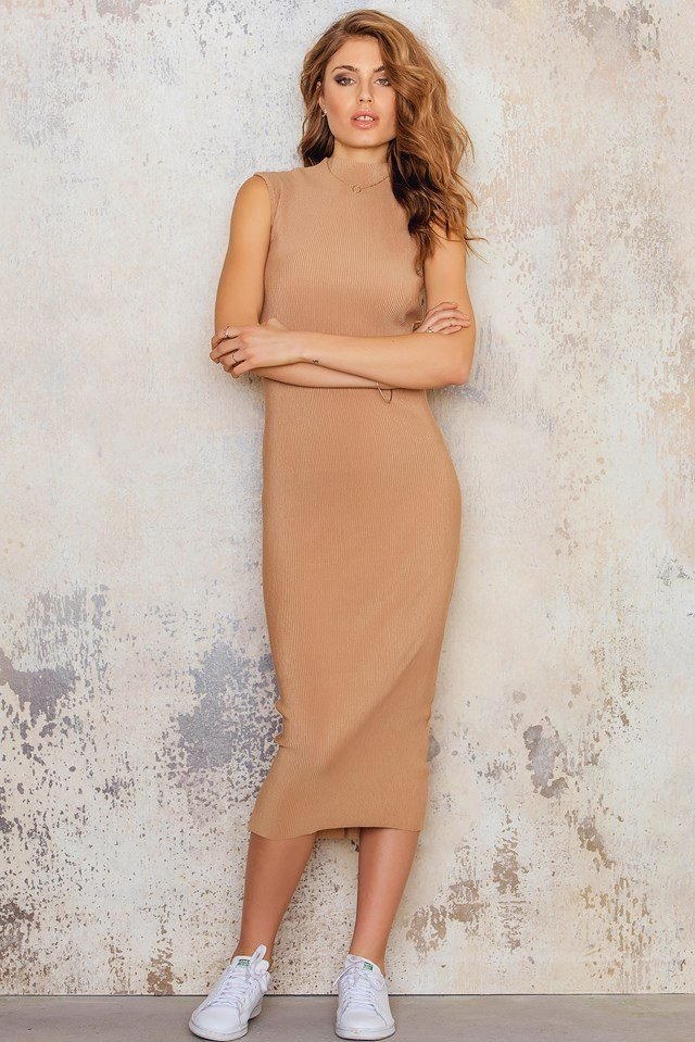 Highneck Pleated Ankle Dress Tan