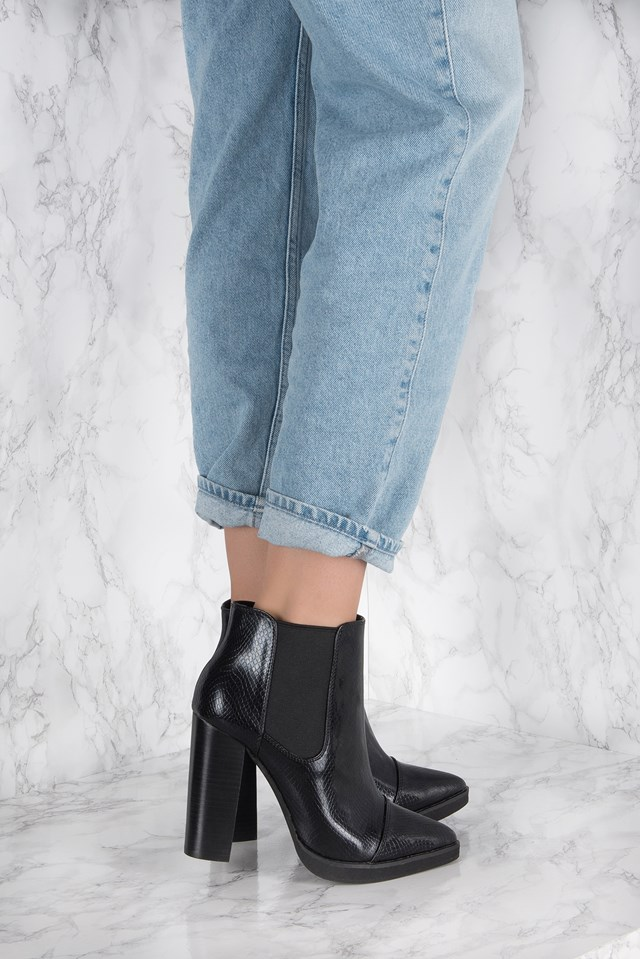 High Heel Pointed Boot Black Snake