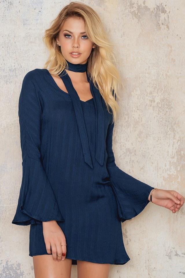 Sienna Bell Sleeve Dress NA-KD.COM
