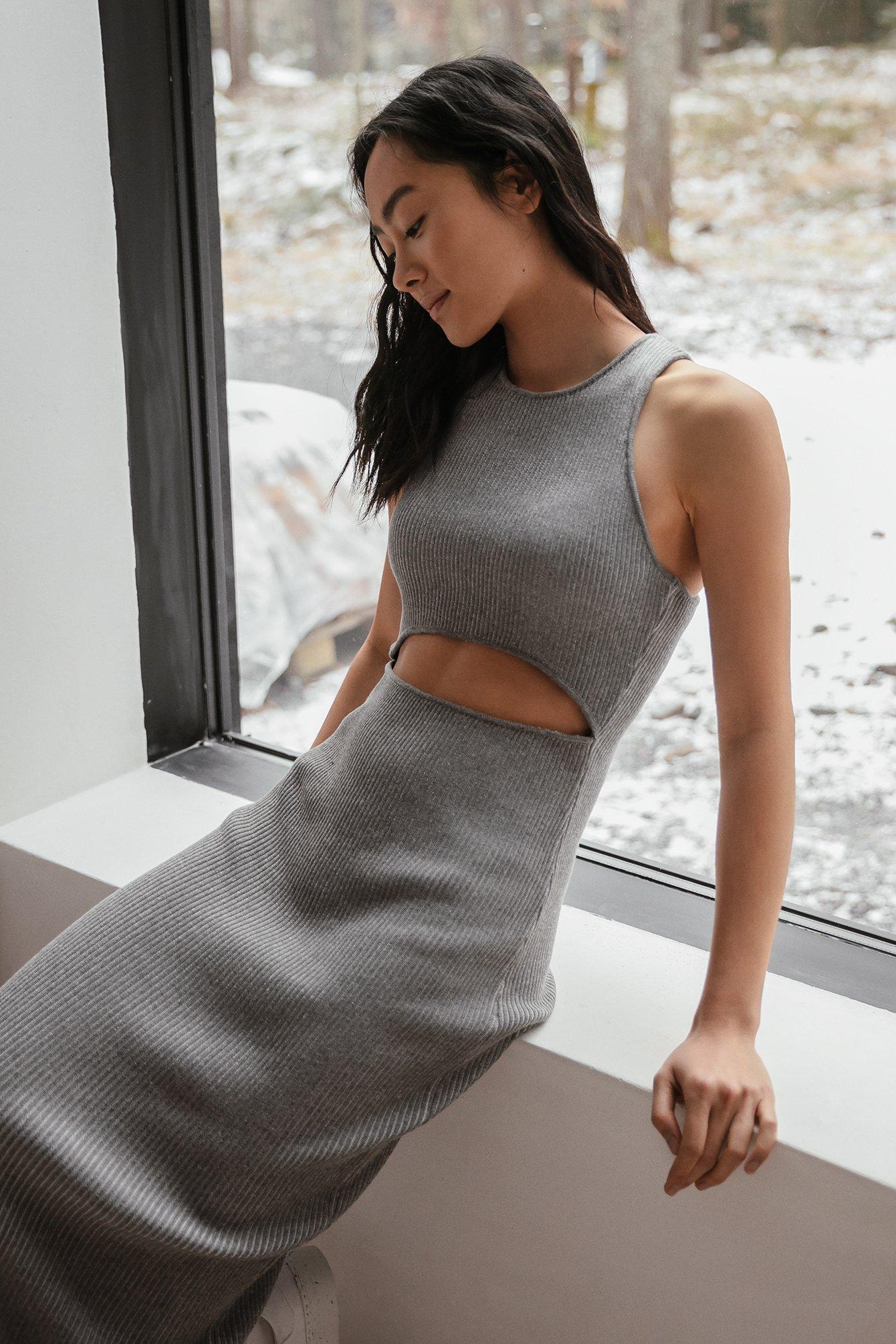 na-kd trend -  Organisch Strickkleid Mit Cut-out-Detail - Grey