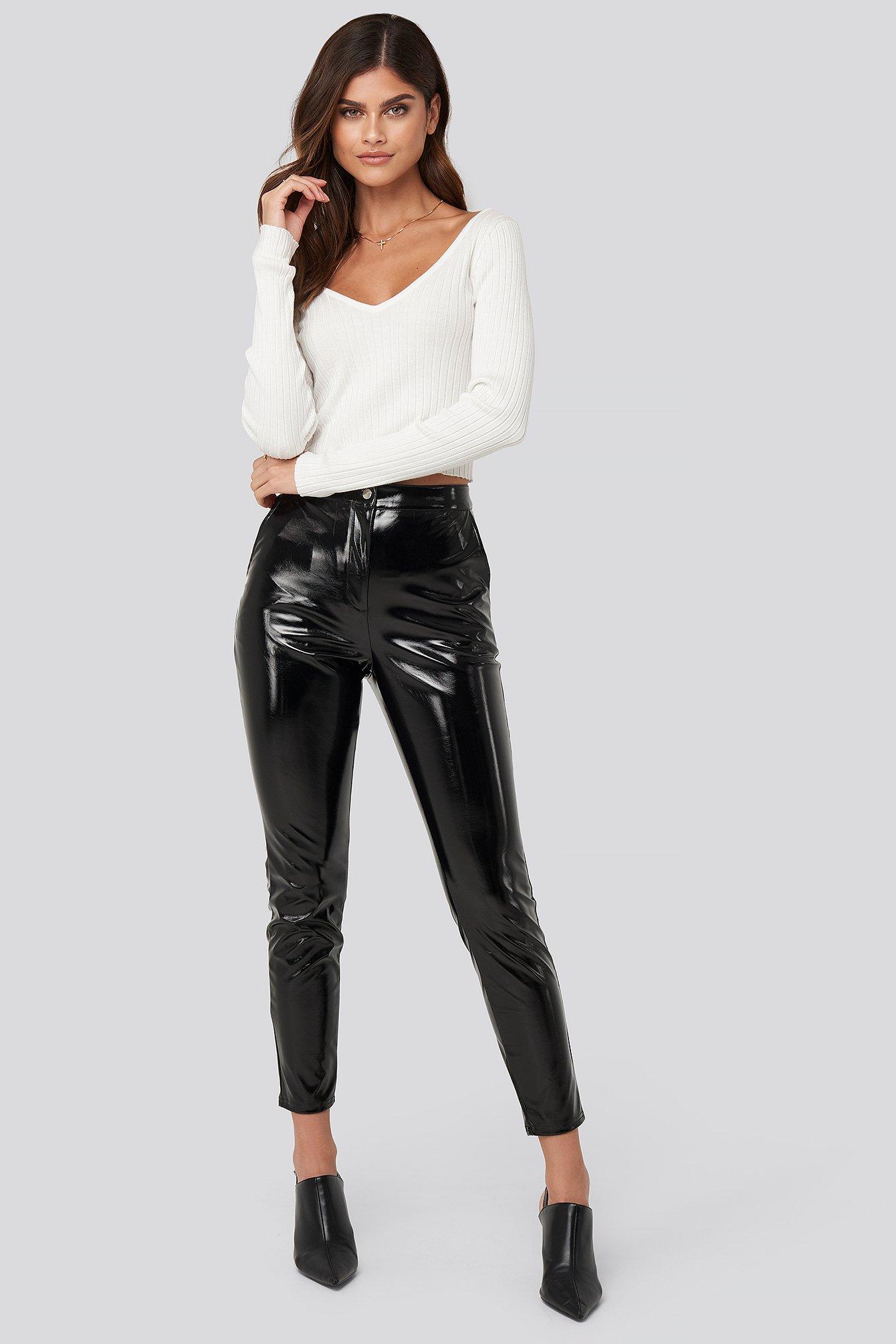 adorable caro x na-kd -  Highwaist Patent Pants - Black
