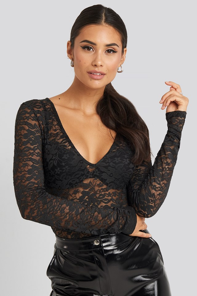 Long Sleeve Lace Body Adorable Caro x NA-KD