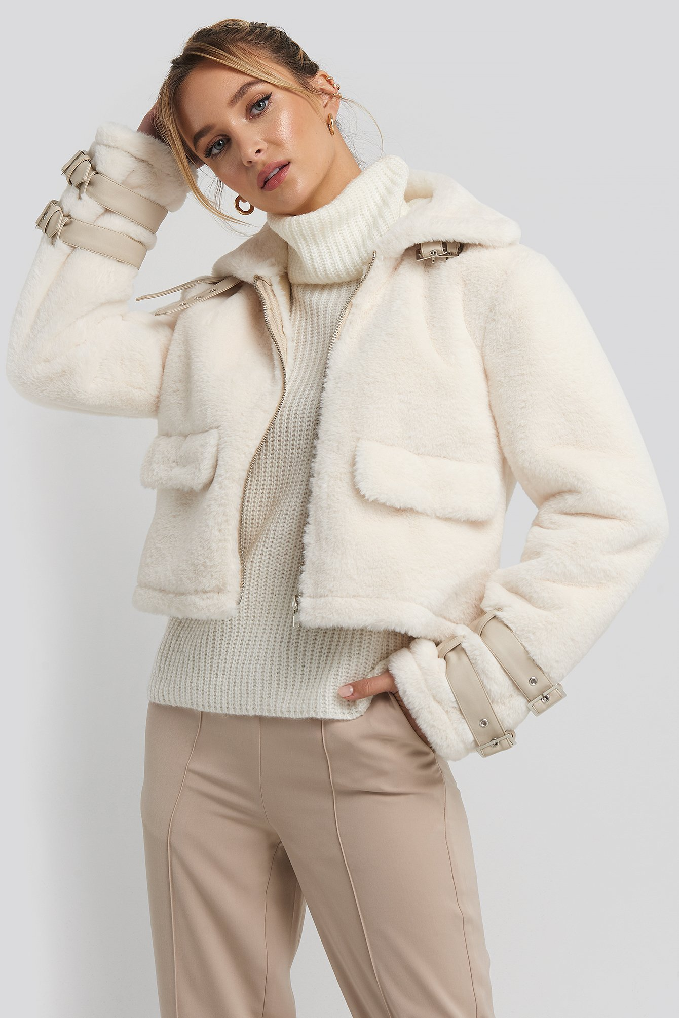 adorable caro x na-kd -  Faux Fur Cropped Jacket - White