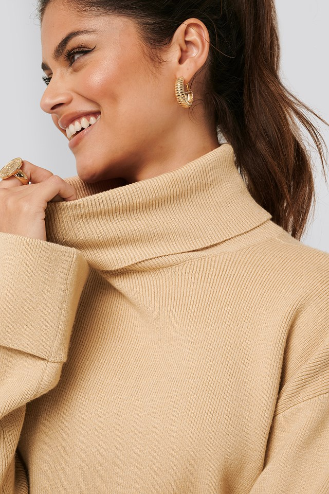 High Neck Knitted Sweater Beige