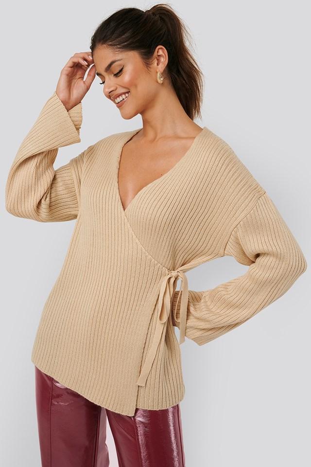 Ribbed Overlap Tie Sweater Creme