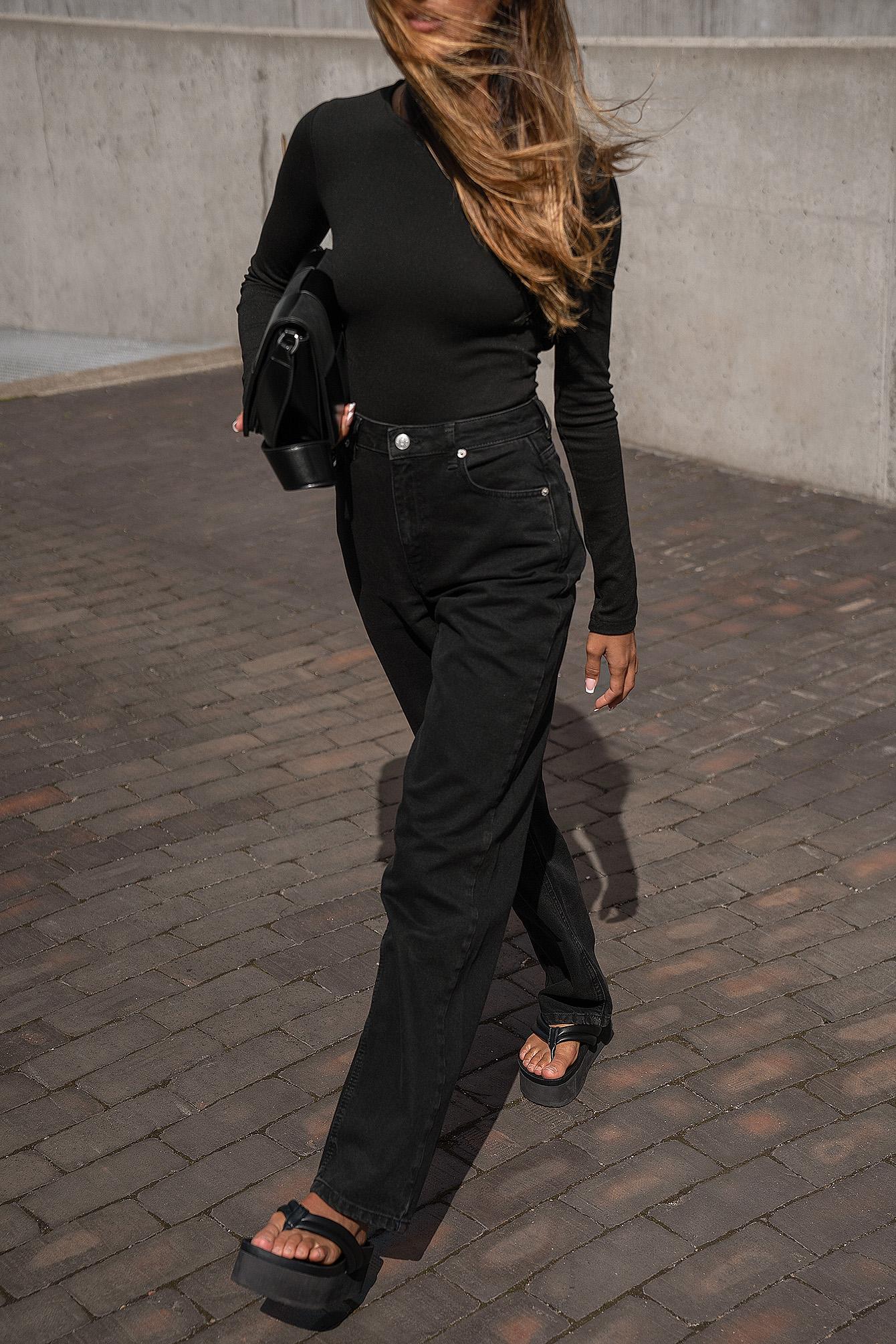 Amalie Star x NA-KD Økologiske jeans - Black