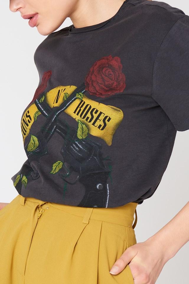Guns Shooting Roses T-Shirt NA-KD.COM