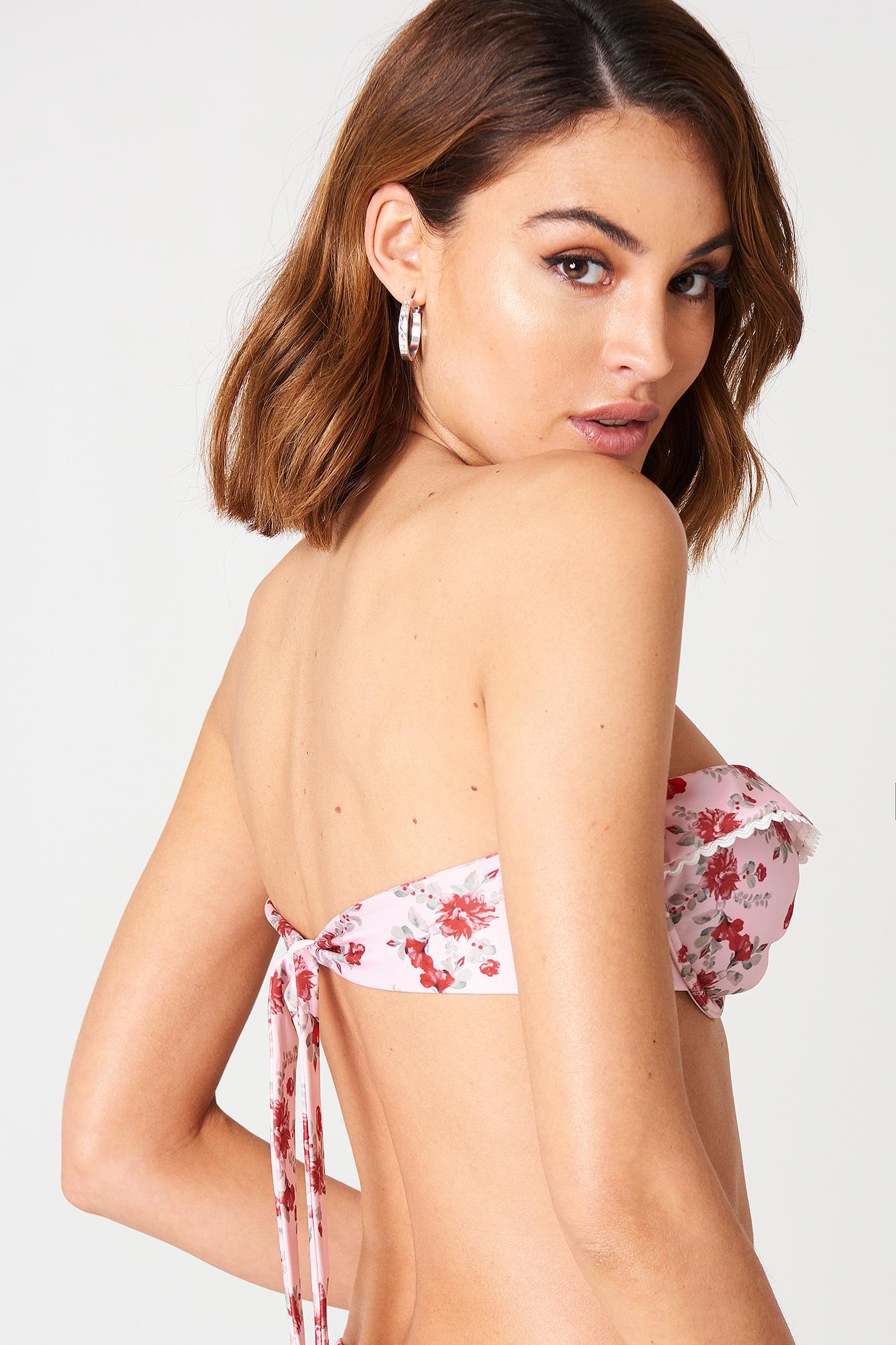 Góra bikini z falbanką NA-KD.COM