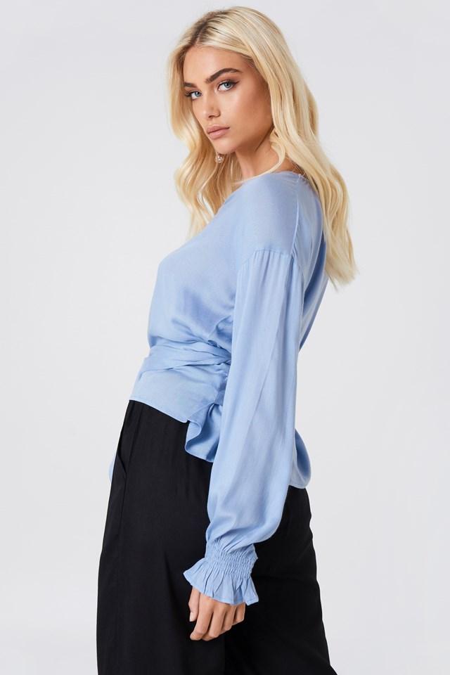 Bluzka z wiązaniem w talii Blue