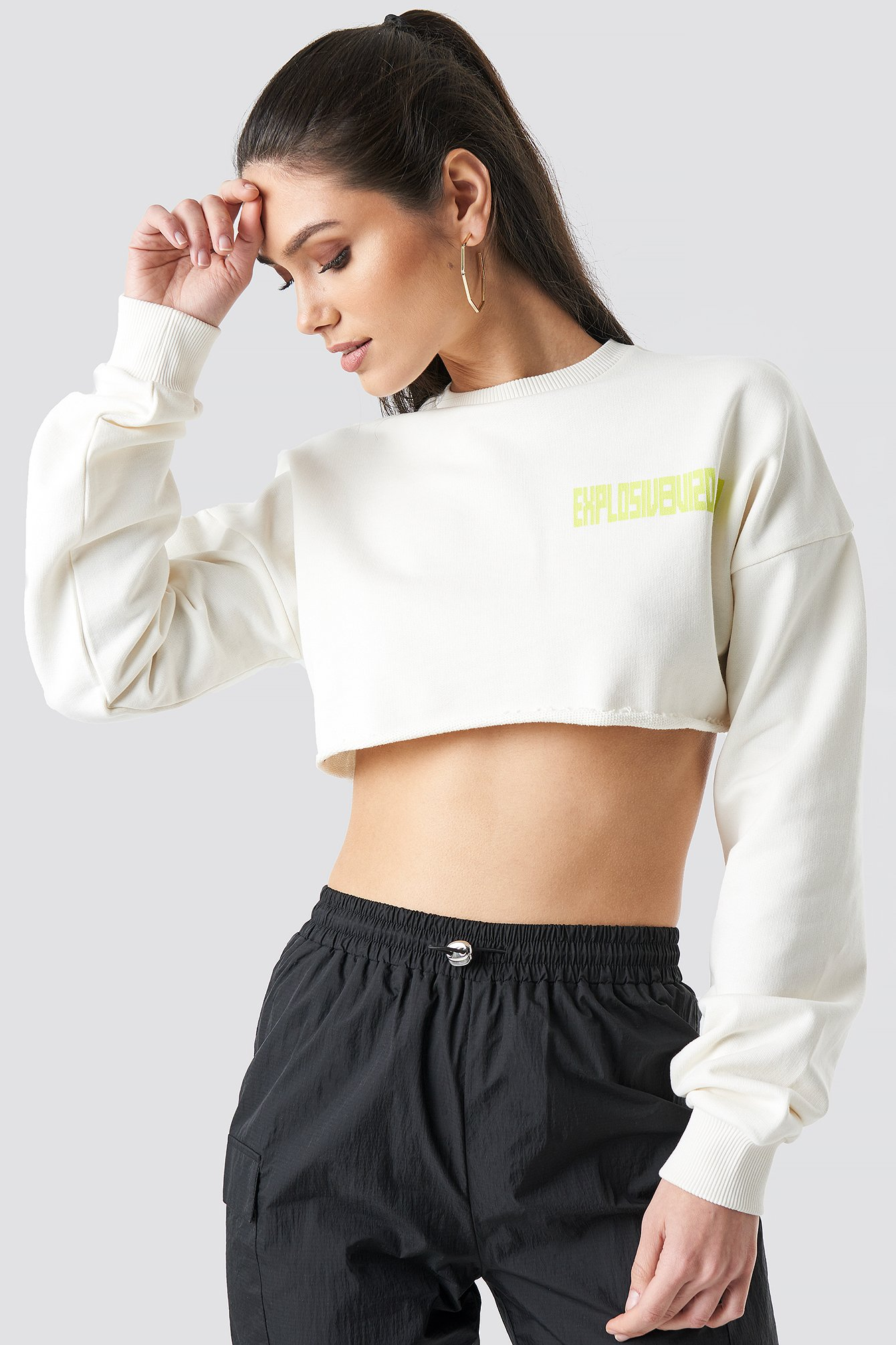 anna nooshin x na-kd -  Explosive Raw Cropped Sweater - White