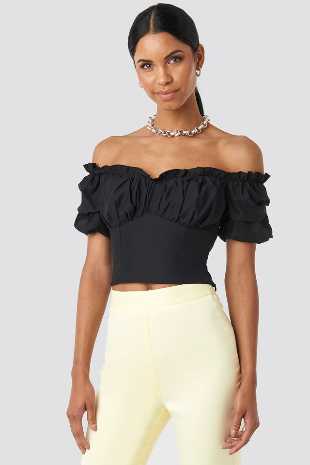 Off Shoulder Ruffle Cup Cropped Blouse NA-KD.COM