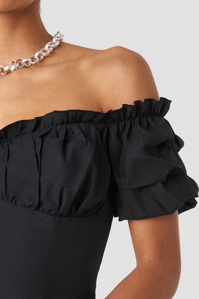 Off Shoulder Ruffle Cup Cropped Blouse Black