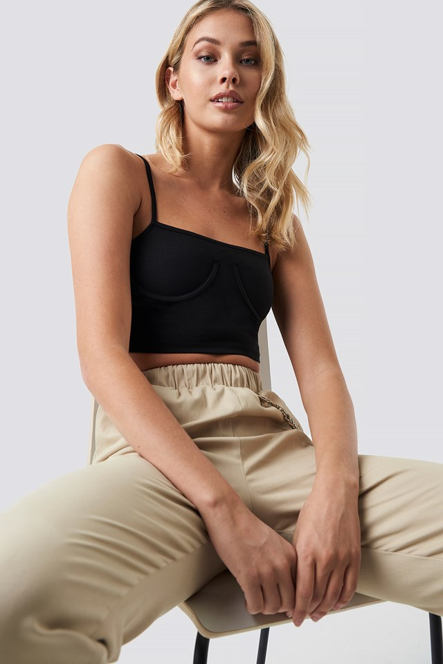 Cropped Cup Shape Singlet Black