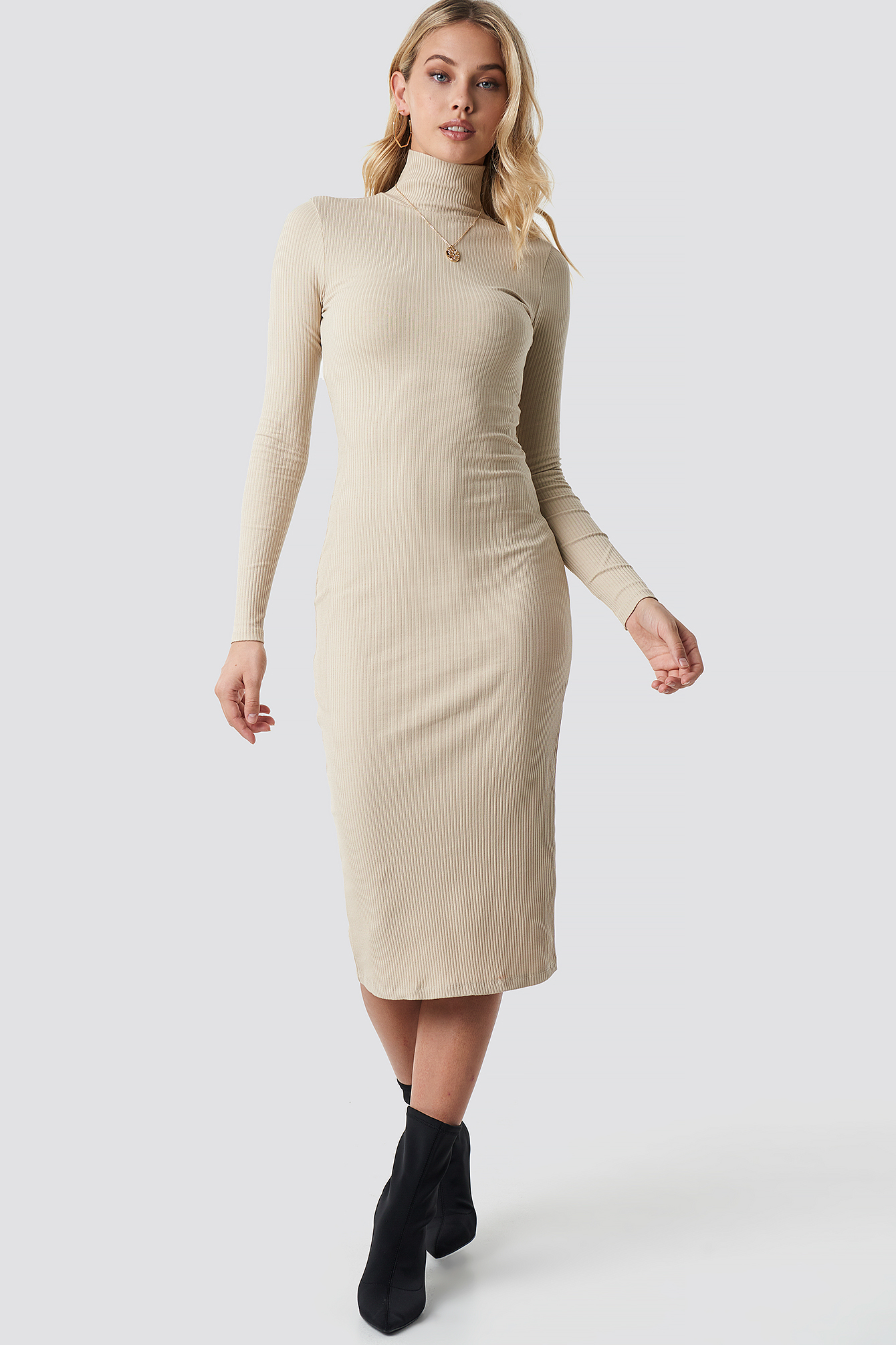 ANNA NOOSHIN X NA-KD High Neck Ribbed Dress - Beige