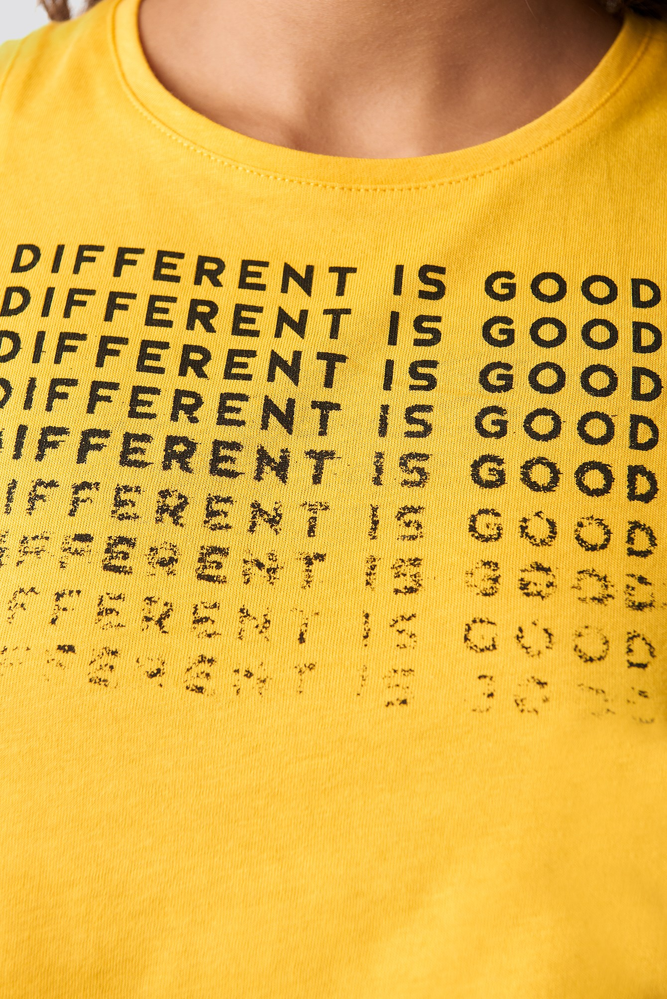 Different Is Good Tank Top NA-KD.COM