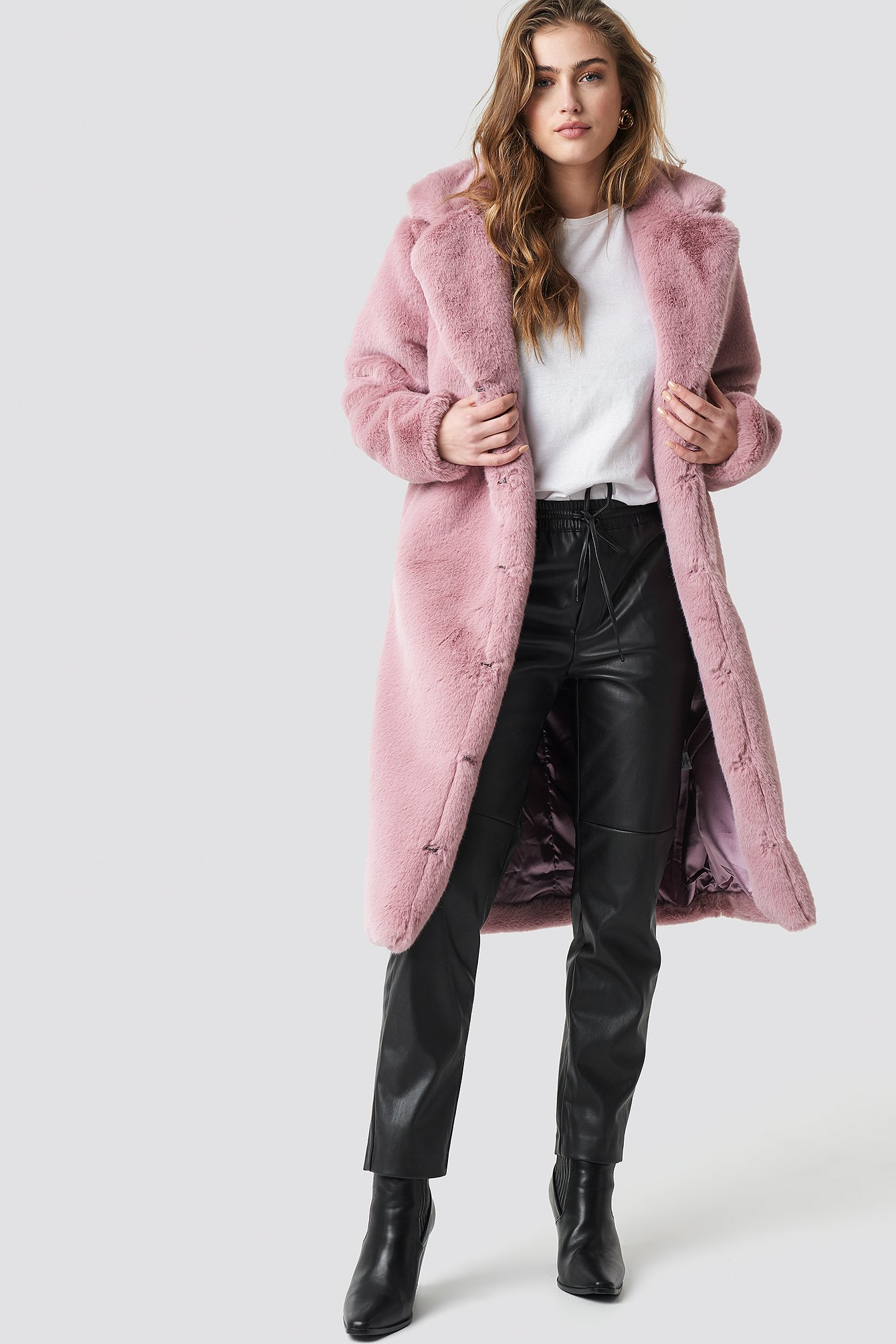 aéryne paris -  Dewi Faux Fur Coat - Pink