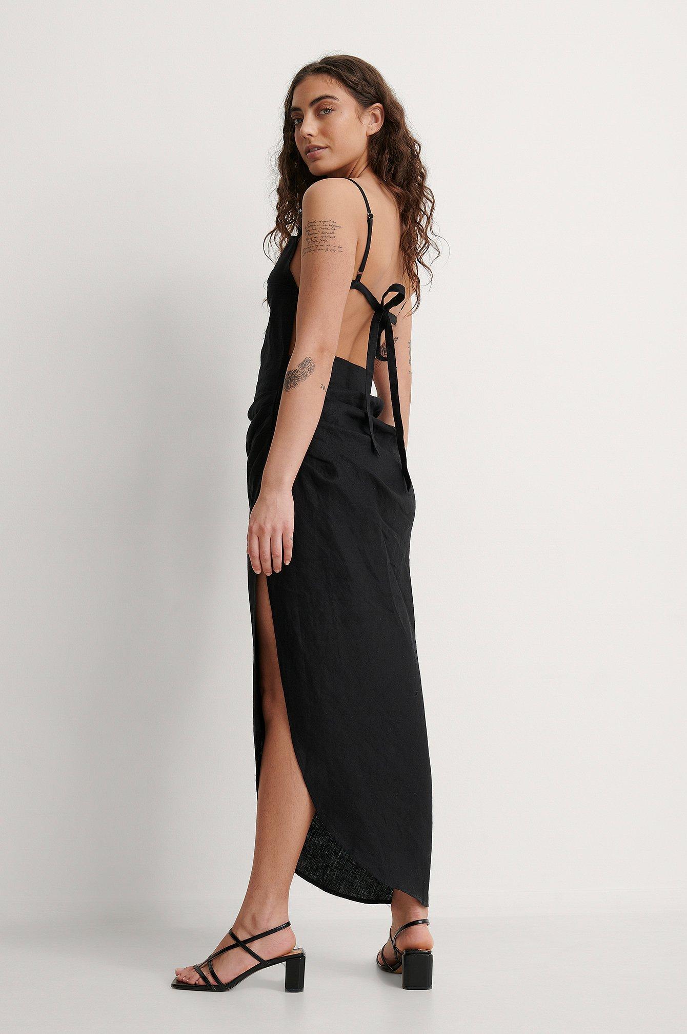 na-kd trend -  Drapiertes Kleid Mit Trägern - Black