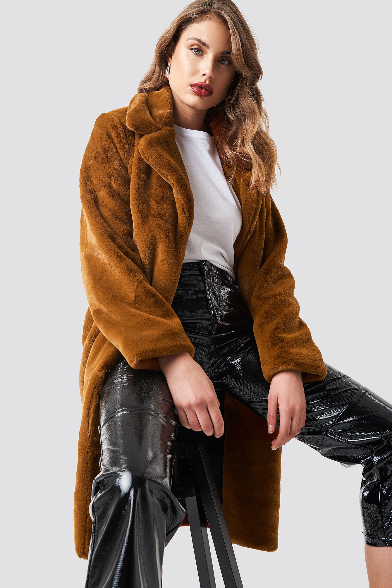 na-kd trend -  Big Collar Faux Fur Jacket - Brown