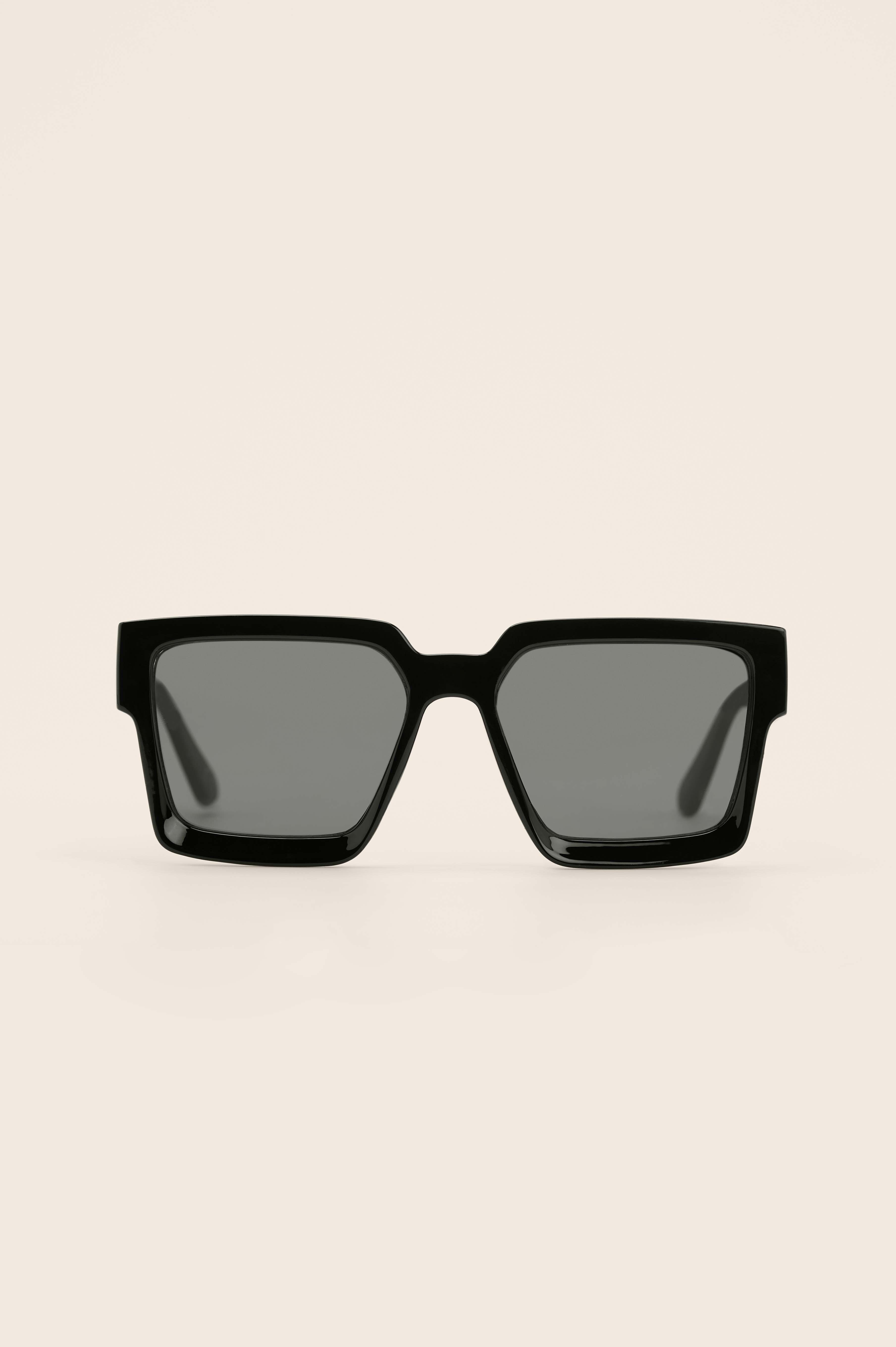 na-kd accessories -  Recycelt Eckige Sonnenbrille - Black