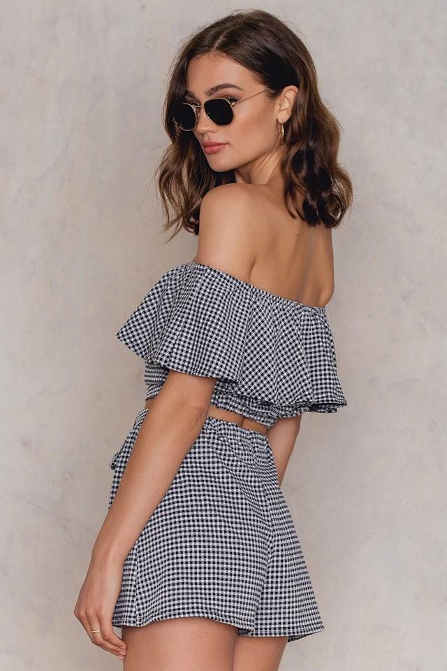 Off Shoulder Crop Top & Shorts Co-Ord Black/White