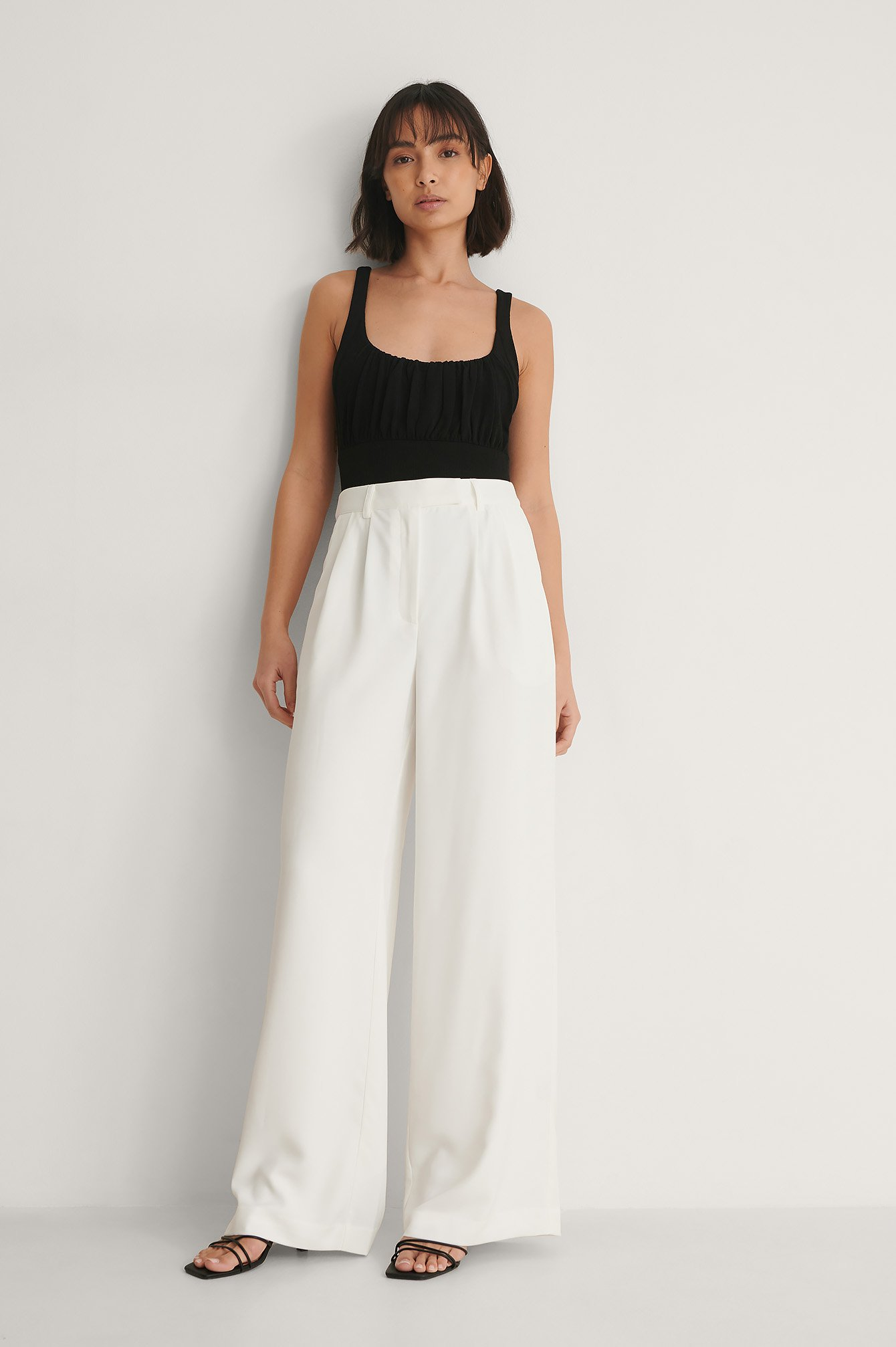 White High Waist Pleated Pants