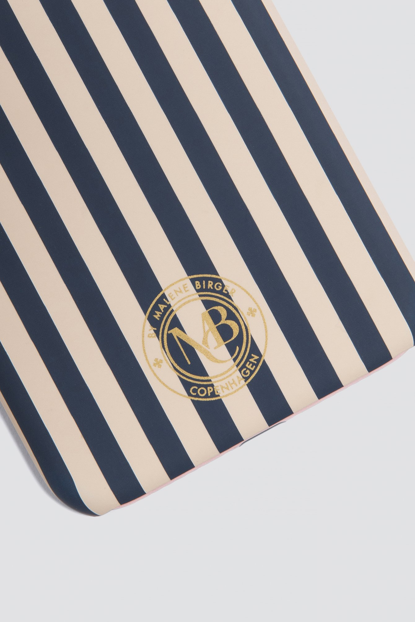Pamsy Striped iPhone 7/8 Case NA-KD.COM