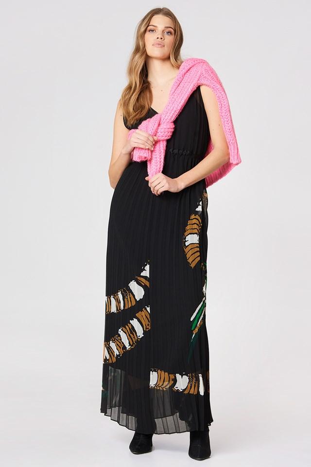 Riplis Dress Black