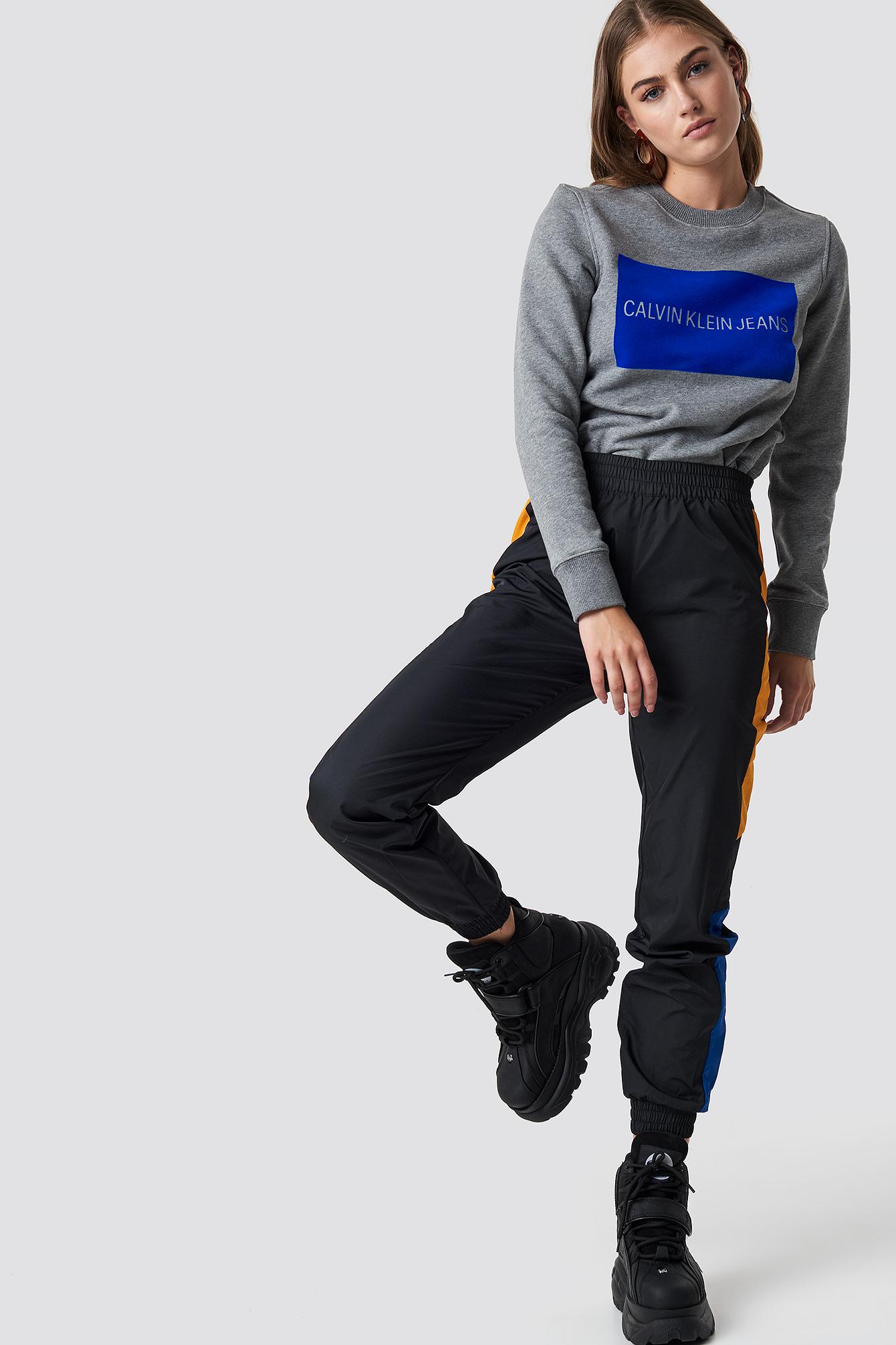Institutional Flock Box Reg Sweater NA-KD.COM