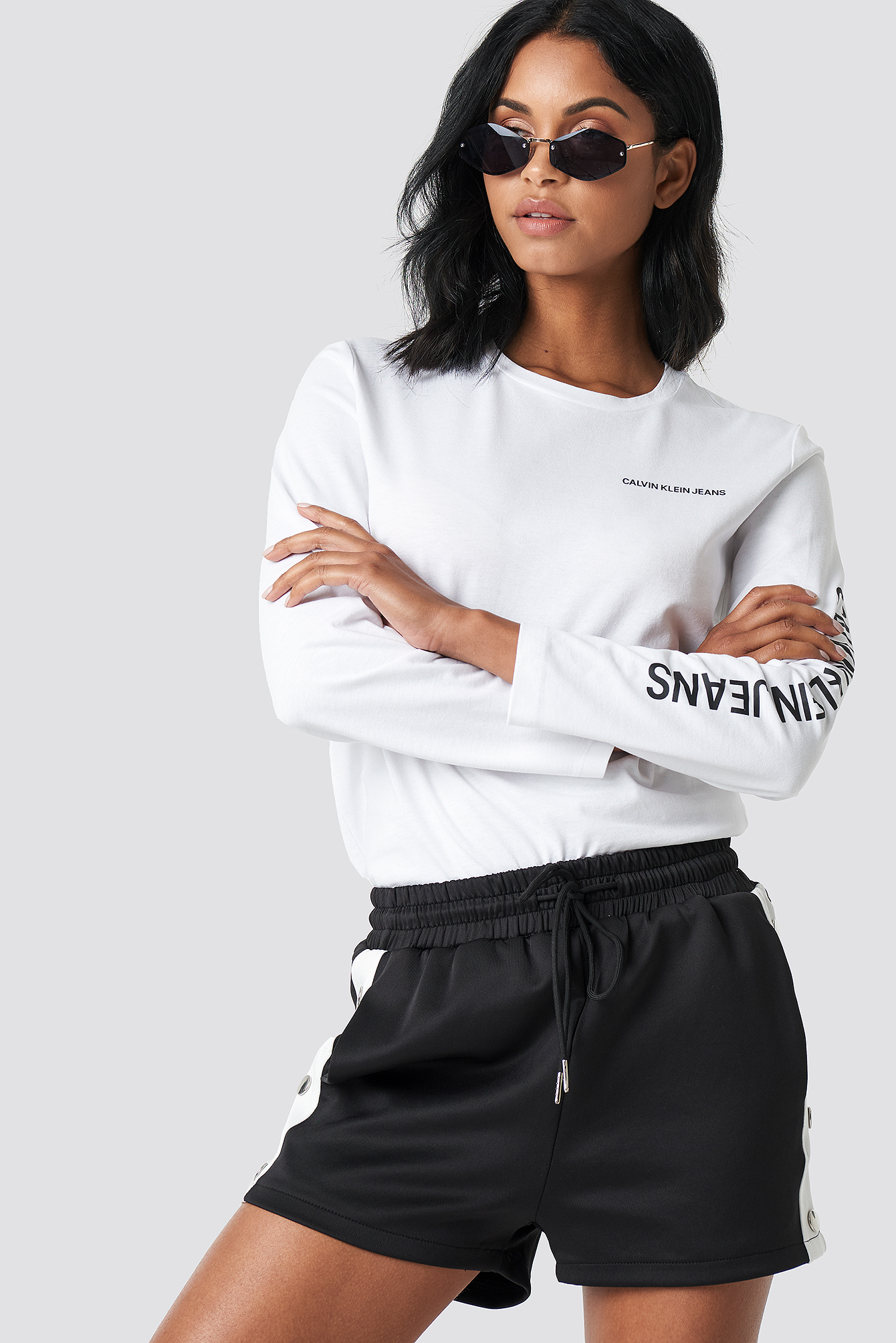 Institutional Straight Crop LS NA-KD.COM