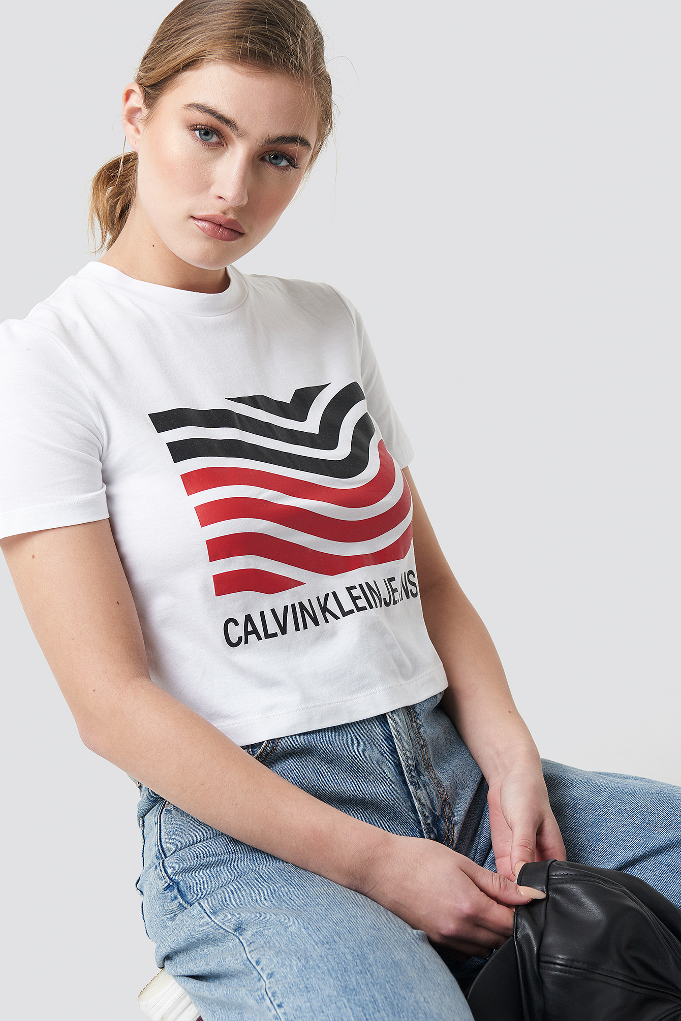 Modernist Wave Straight Crop Tee NA-KD.COM