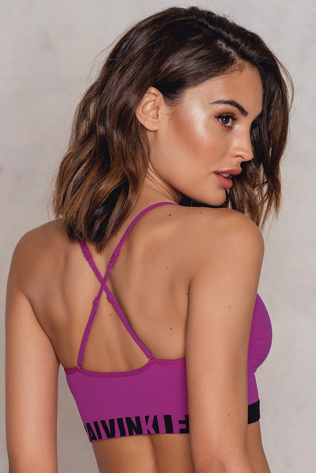 Seamless Logo Bralette Striking