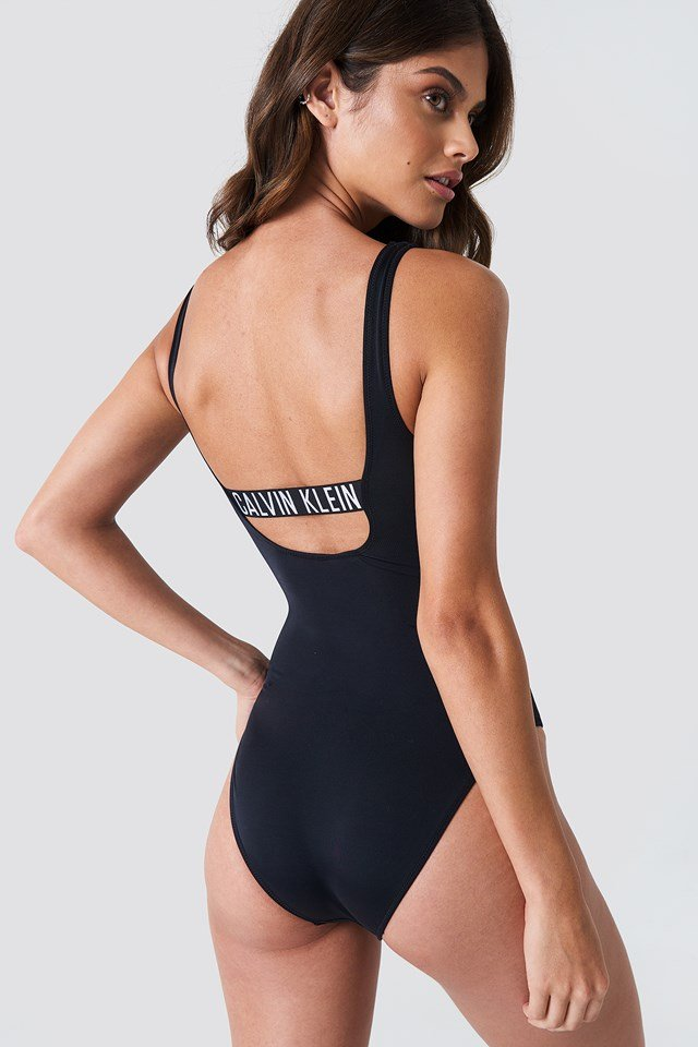 Square Scoop One Piece RP PVH Black