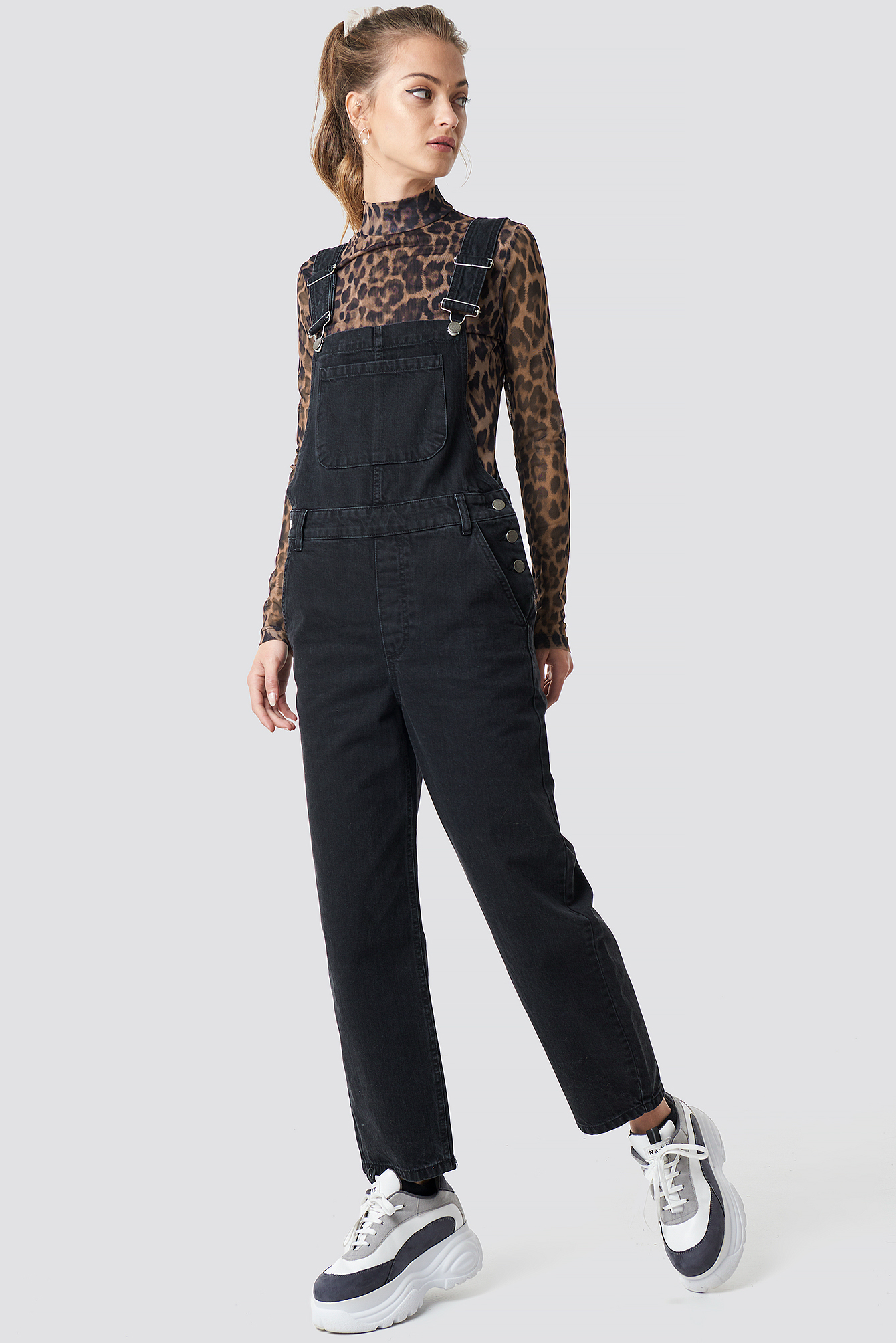 camille botten x na-kd -  Loose Fit Denim Dungaree - Black