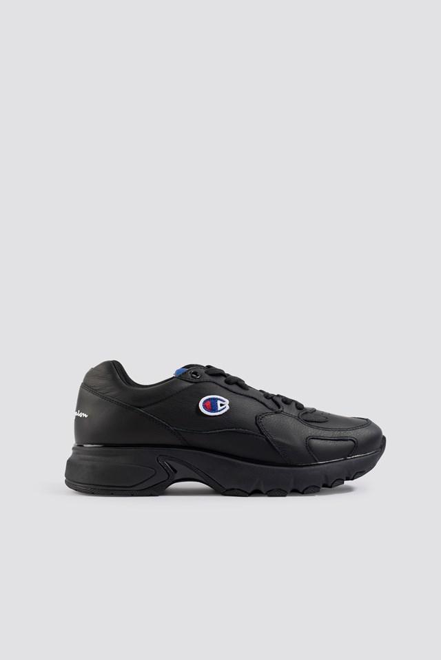 Cwa Low Cut Leather Sneaker Black
