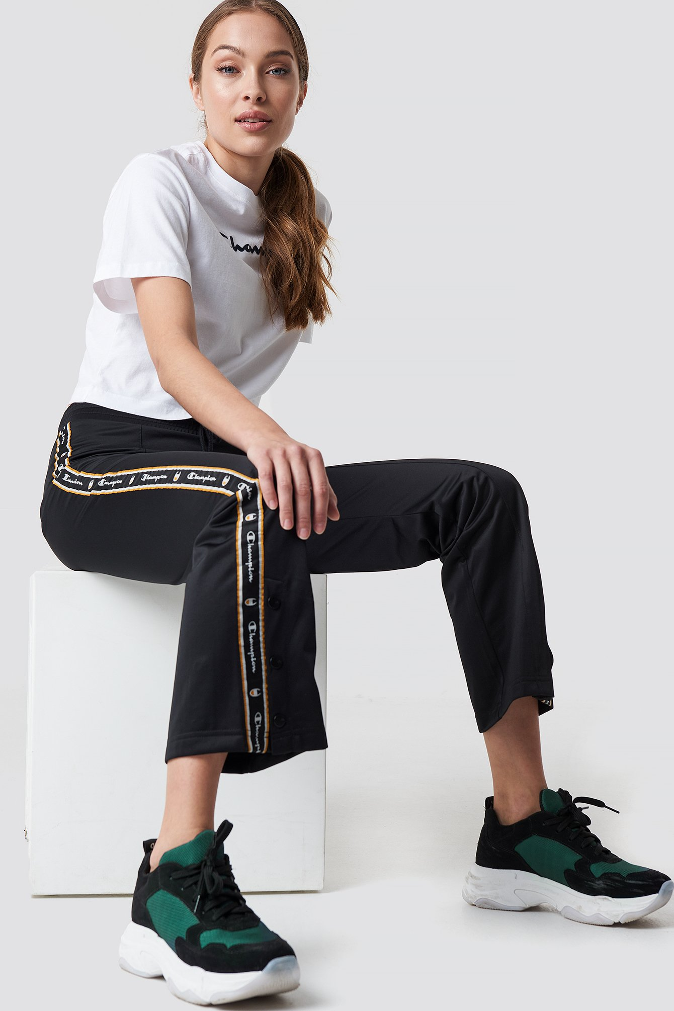 champion -  Straight Hem Pants - Black