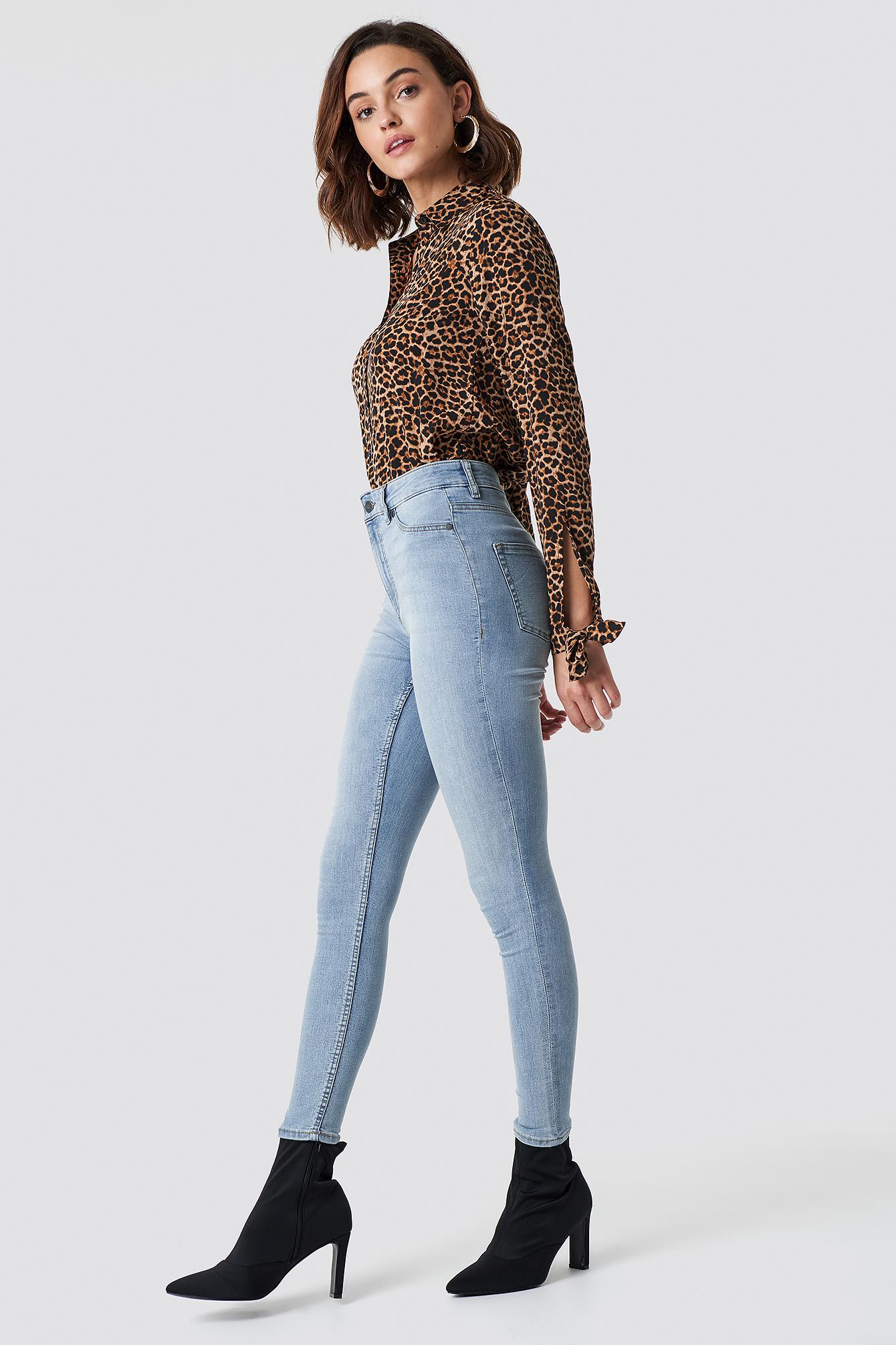 High Spray Stone Bleach Jeans NA-KD.COM
