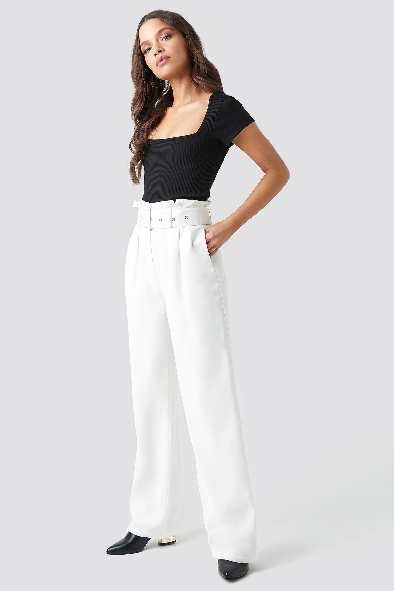 chloé b x na-kd -  Belted Highwaist Flared Pants - White