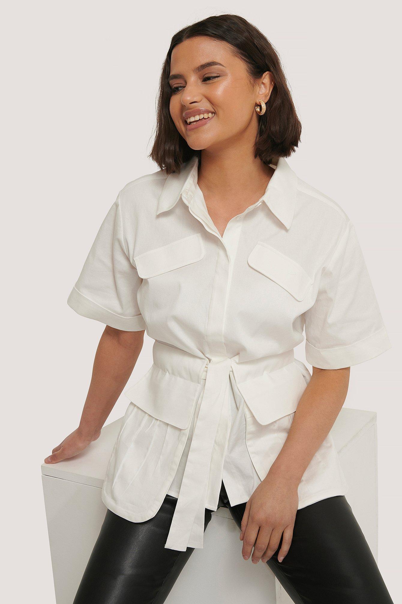 Chloé B x NA-KD Hemd Mit Tasche Und Bindung Vorne - White | Taschen > Handtaschen | Chloé B x NA-KD