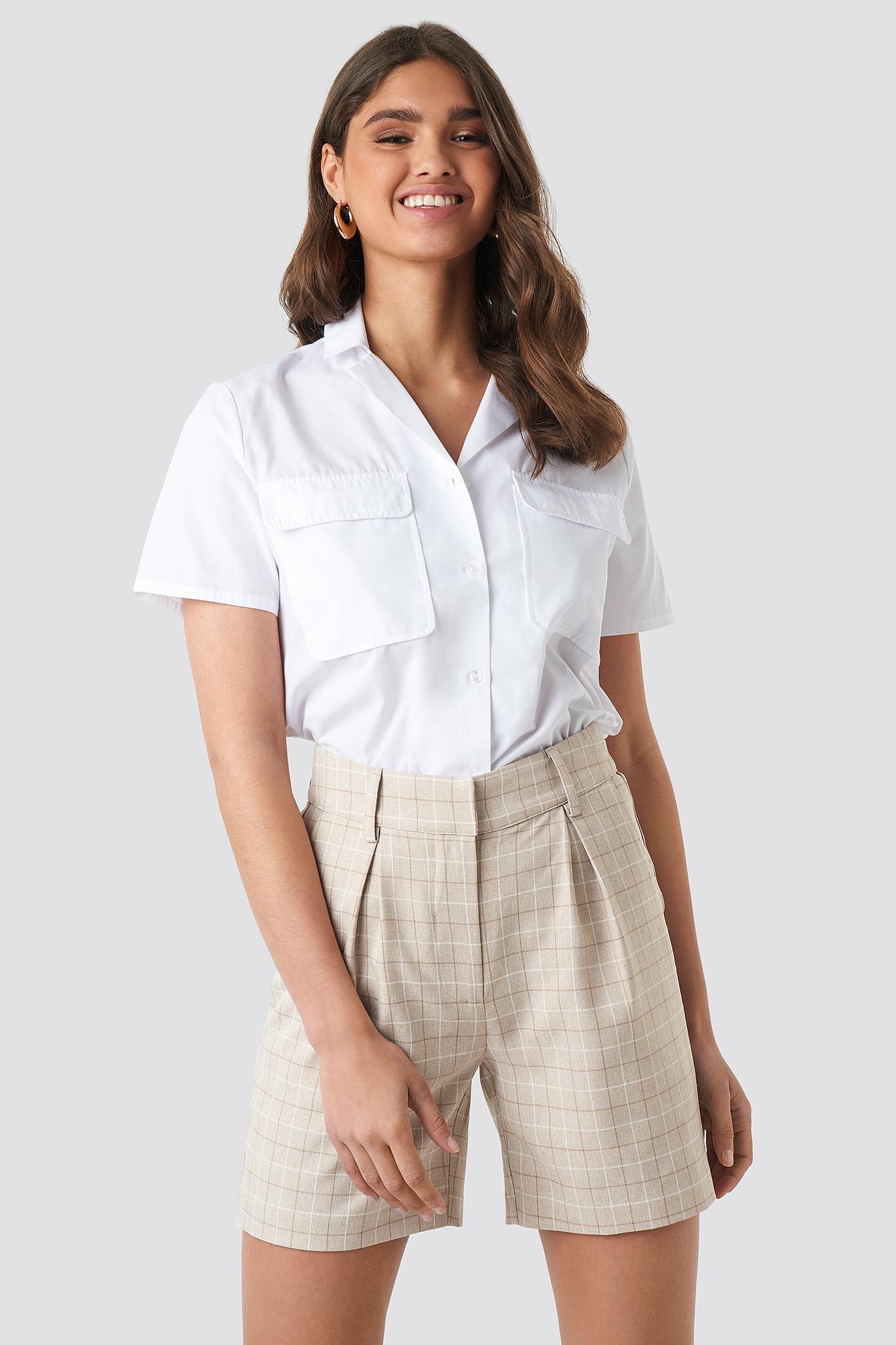 NA-KD Classic High Waist Checkered Shorts - Beige