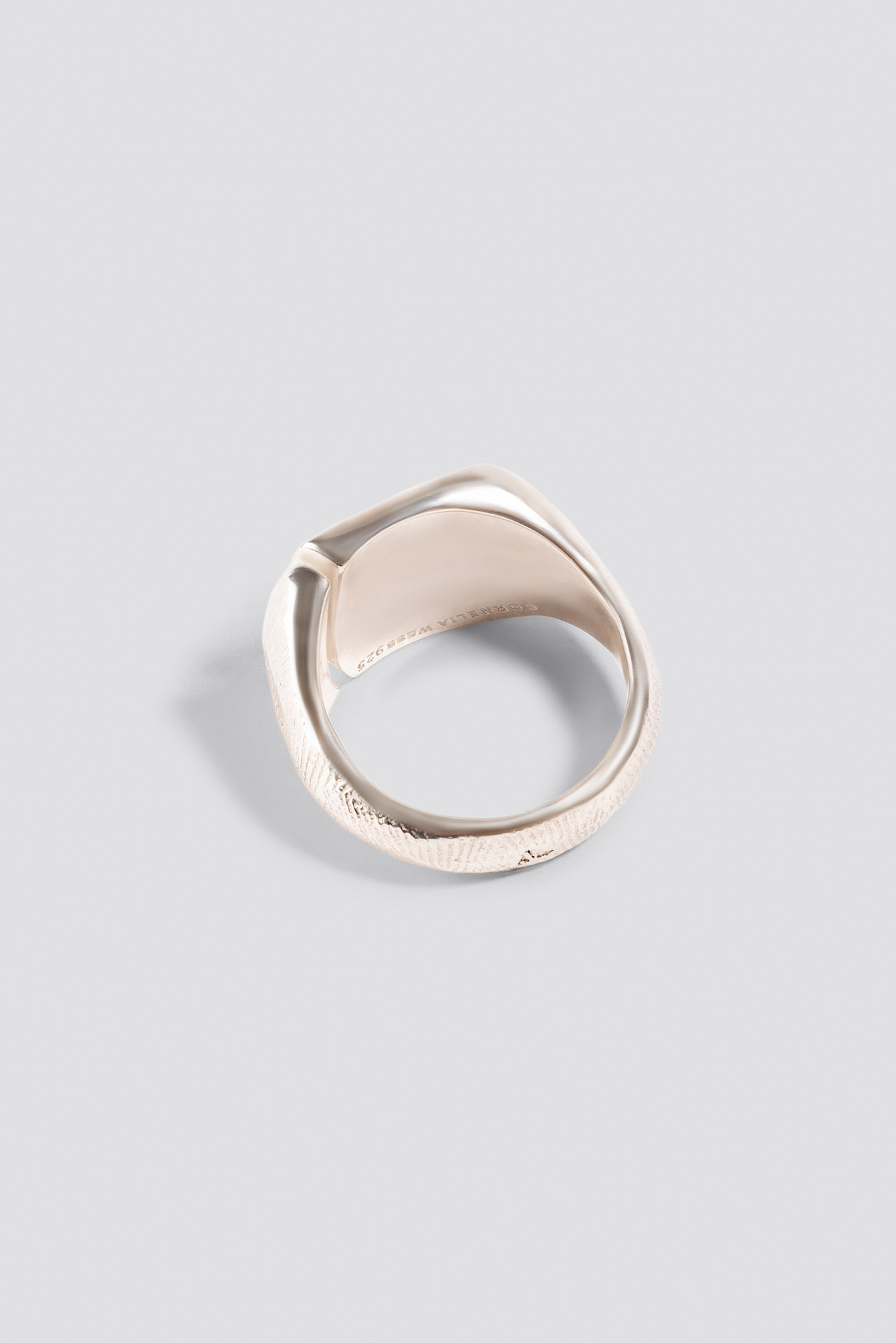 Molded Signet Ring NA-KD.COM