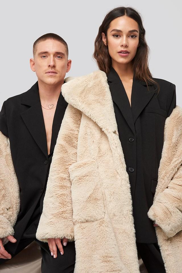 Big Front Pocket Faux Fur Coat Offwhite