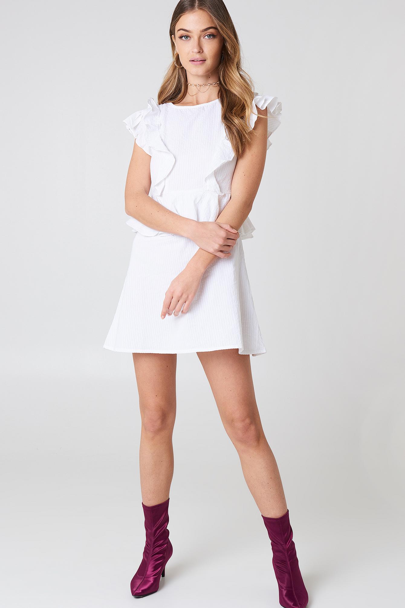 Sukienka z falbanką NA-KD.COM