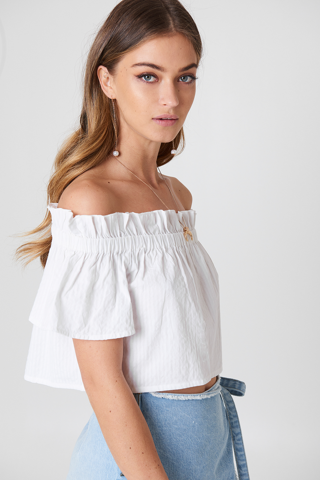 debiflue x na-kd -  Off Shoulder Short Sleeve Top - White
