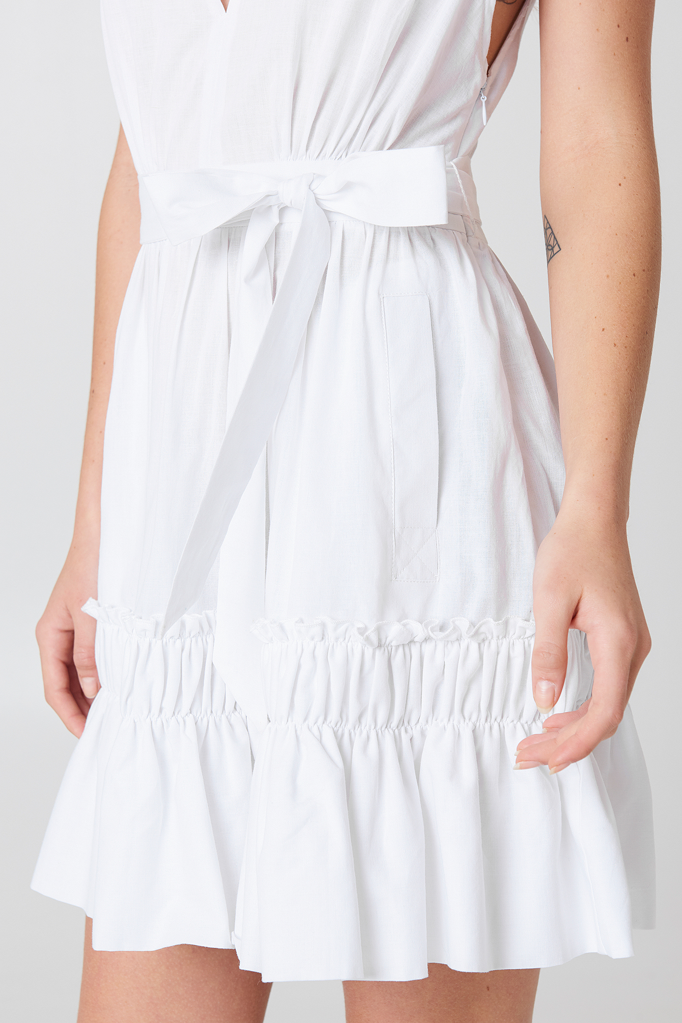 Sleeveless Front Tie Dress NA-KD.COM