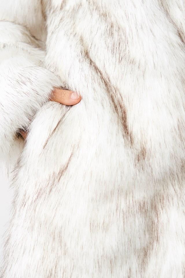Round Neck Faux Fur Jacket Cream