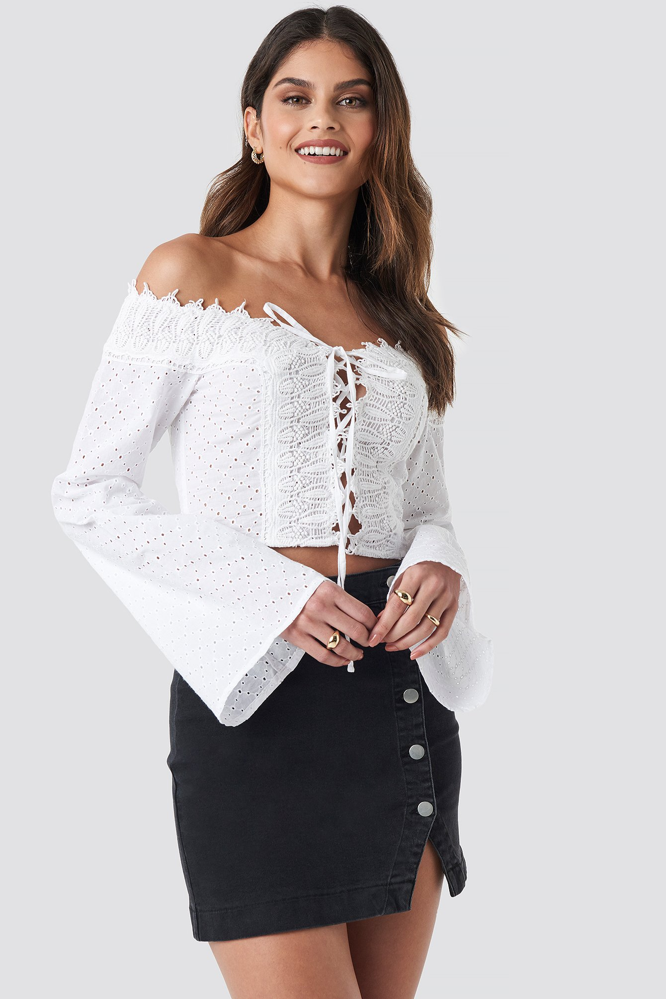donnaromina x na-kd -  Front Tied Crochet Blouse - White